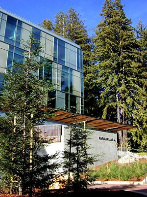 Engineering 2 has achieved a 'Silver' ranking in the LEED rating system.